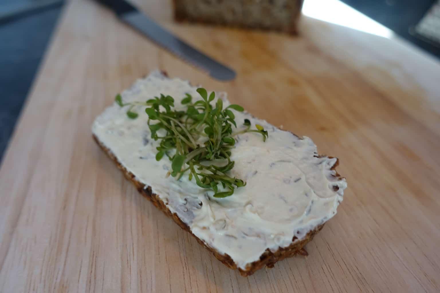 Das unglaublich leckere vegane Brot, welches mich zum Frühstück motiviert